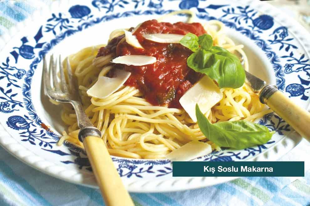 kis-soslu-makarna-990x660